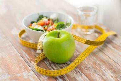 HOY / Bajar de peso sin 'morir' de  hambre en el intento: claves de  un método sencillo y práctico