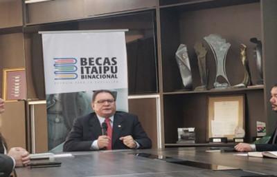 Becas Itaipú: Excluyen a 55 estudiantes de la lista de adjudicados