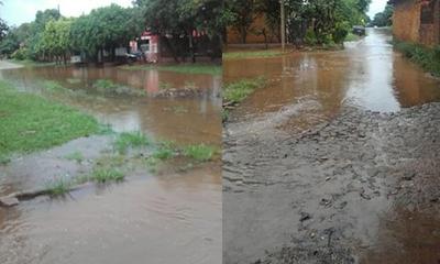 Lluvias dejaron barrios inundados en Coronel Oviedo – Prensa 5