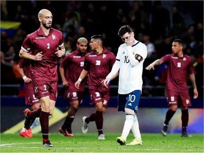 Venezuela le da un golpazo a Argentina en la vuelta de Messi