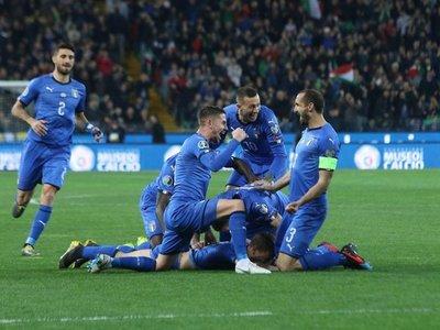 La joven Italia arranca su renacimiento con buen pie
