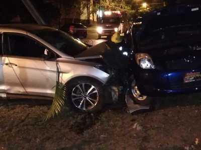 Perdió el control de su rodado y chocó por un vehículo estacionado – Prensa 5