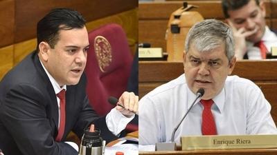 HOY / Fuego cruzado en el Senado: 'manga de haraganes' y 'sepulturero de Trinidad'