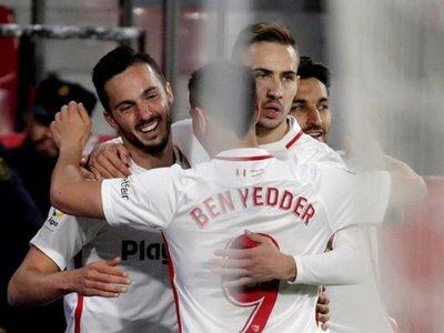 Sevilla se aferra a Europa y el Alavés pierde gas