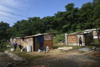 Unas 90 familias se instalaron en el cerro