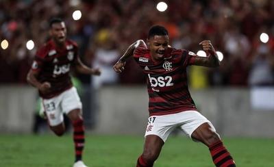 HOY / Flamengo asume liderato con un set y roza octavos a costa de San José