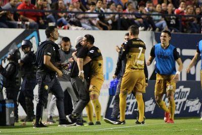 Un golazo paraguayo para el Dorados de Maradona
