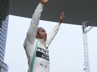 Lewis Hamilton ganó en Shangái y se quedó con la carrera 1000 de la F1
