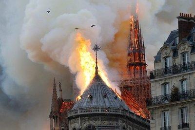 """""""Se pierde un monumento increíble, una iglesia gótica por excelencia"""""""