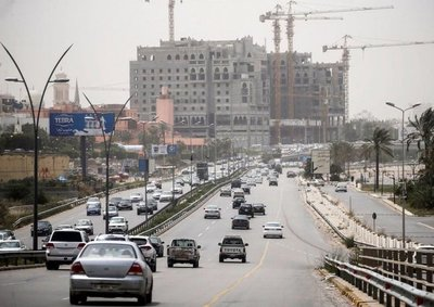 Para los habitantes de Trípoli, la vida continúa a pesar de los combates