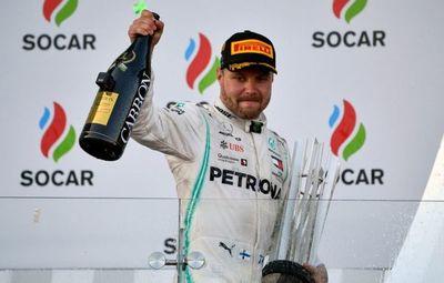 Bottas y Hamilton celebran doblete de Mercedes en Azerbaiyán