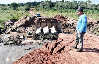 Cae puente habilitado hace menos de 15 días
