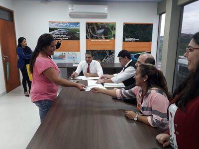 Continúa pago de indemnización a pobladores de la Costanera Norte