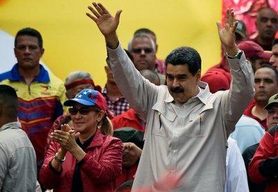 Maduro dice que hay 5 militares heridos graves