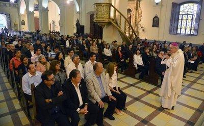 """Arzobispo Valenzuela: """"El trabajo no es un castigo"""""""