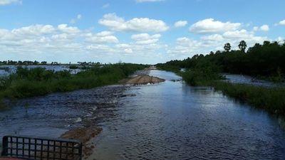 Puerto Pinasco, bajo agua: otro distrito ignorado por el Gobierno