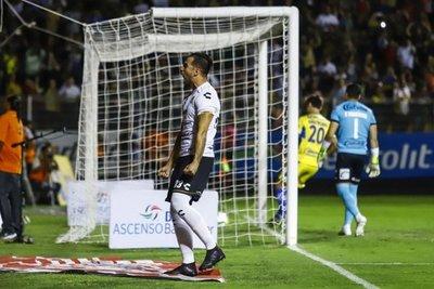 Báez marca en empate de Dorados