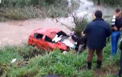 Santa Maria: Vuelco de automóvil deja a su conductor herido