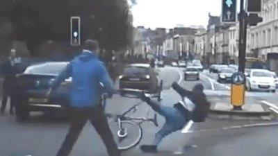 Taclean a ladrón en plena fuga