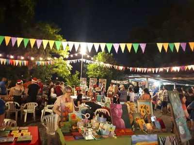 """Feria y exposición de arte en """"La Terraza"""" de Asunción"""