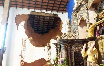 Se cumplió el presagio: se vino abajo una parte del templo de San Joaquín