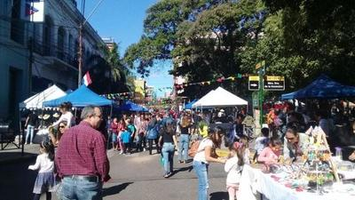 Masiva concurrencia en Asunción por Fiestas Patrias