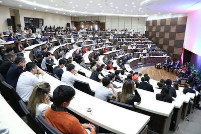 FMI encamina conversatorio para lograr la excelencia en educación