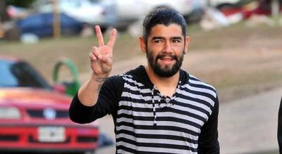 Futbolista que masacró a golpes a su esposa, ¿goza de privilegios de la justicia paraguaya?