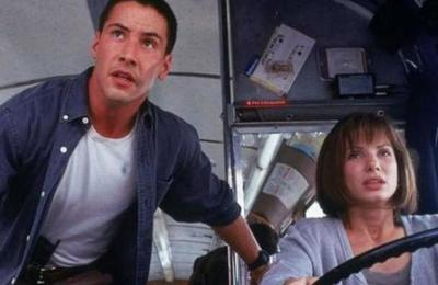 Keanu Reeves revela que también se enamoró de Sandra Bullock en el rodaje de 'Máxima Velocidad'