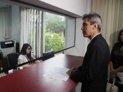 Ex diputado presentó denuncia penal ante la Fiscalía