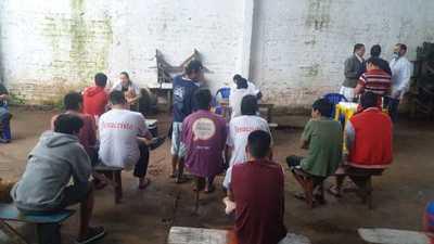 Asisten a indígenas de la penitenciaría de Ciudad del Este