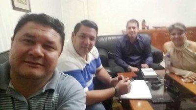 CDE: Comunican despido a más de 800 funcionarios