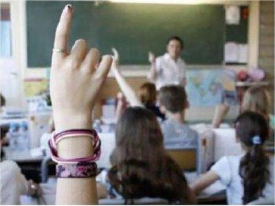 Ministerio de Salud: Educación sexual aún debe llegar a más adolescentes