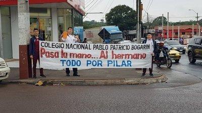 Estudiantes de Ñemby se solidarizan con Pilar