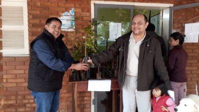 Entregaron plantines de árboles nativos para reforestar San Pedro