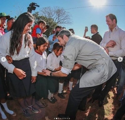 Marito entregó aportes para las escuelas de San Pedro