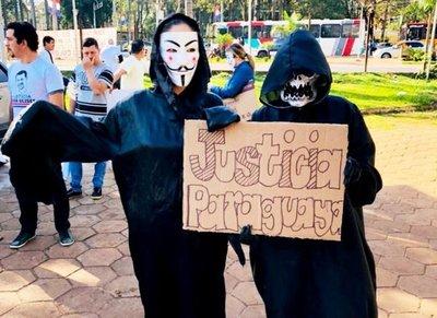 Enmascarados piden libertad de Quintana