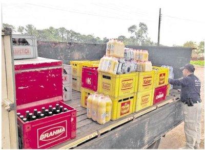 Decomisan mercadería ilegal y vehículo robado