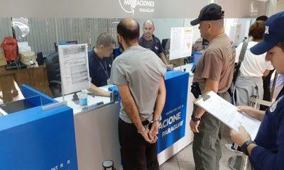 Expulsan del territorio nacional a extranjero involucrado en falsificación de tarjetas de crédito