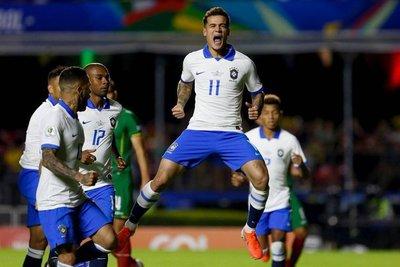 Brasil golea a Bolivia con doblete de Coutinho y un tanto de Everton
