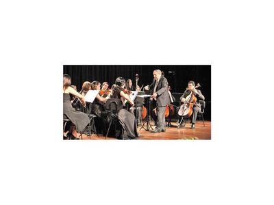 Orquesta Juvenil del CCPA estrena una obra paraguaya