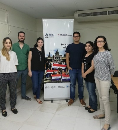 Becarios del Programa Fulbright-Becal accedieron a charla informativa