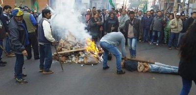 Asunción: candentes bloqueos