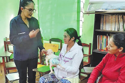 Embarazadas reciben orientación en Franco