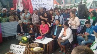 Campesinos de la CNI se reunirán con mesa directiva del Senado