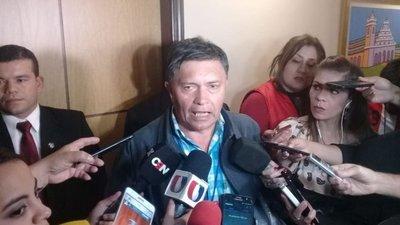 Vicepresidente se comprometió a agilizar solución a acuerdos, dicen desde CNI