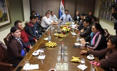 HOY / Gobierno llega a principio de acuerdo con líderes campesinos