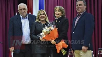 BRINDAN HOMENAJE AL CENTRO CULTURAL DE LA REPÚBLICA EL CABILDO.