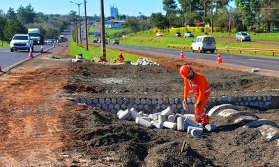Itaipú construye las primeras intersecciones de desvío para solución vial en el km 7 de CDE