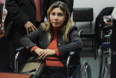 """Odontóloga lleva a juicio a médico por caso de """"mala praxis"""""""